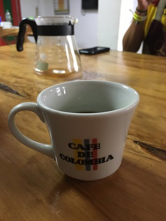 Traditional Coffee Tour With Tasting in Salento: Enjoying a cuppa