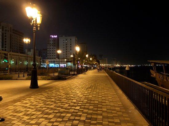 Pěší zóna vedle hotelu