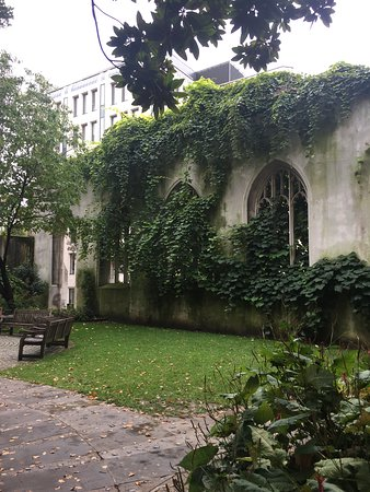 A little sea of tranquility in a church yard in the City of London