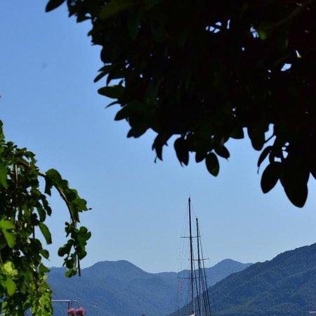 Gema en el Egeo. Hermosa ciudad llena de historia. Vistas de ensueño!