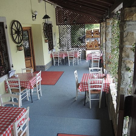 Smarje, Slovenia: a very traditional tables and chairs