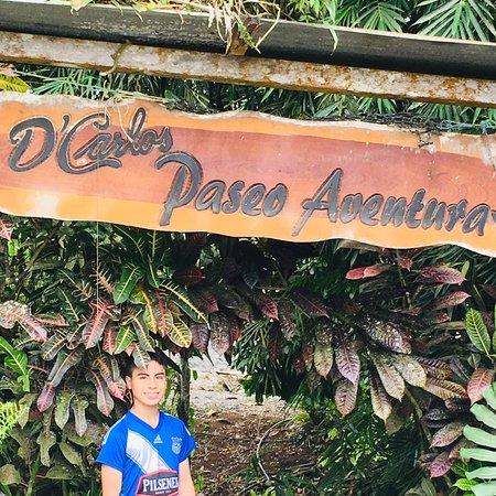 Hostería D'Carlos un lugar muy cerca de Santo Domingo de los colorados. Un lugar bonito, colorido. Con hospedaje, restaurantes, piscinas y un área selvática para explorar, me encanto. Para pasar un día diferente o fin de semana. La comida deliciosa. Con precios accesibles.