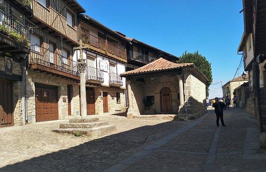 Mogarraz, Испания: Ermita y Cruz del Humilladero