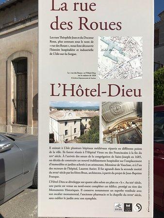 La rue des roues, l'histoire de l'Hôtel Dieu