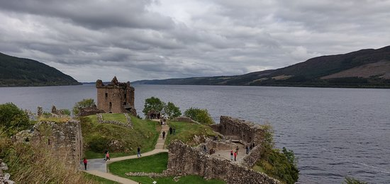 Loch Ness, Glencoe & The Highlands Day Trip from Edinburgh: Castle Urquhart and Loch Ness