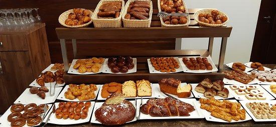 Petit déjeuner buffet Mirador Palace Hôtel Chlef
