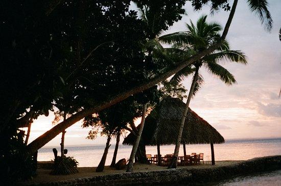 Остров Тоберуа, Фиджи: Dinner under the cabana
