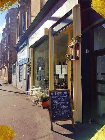 We are here: 83 Bowman Street G42 8LF  - side of Victoria Road - Govanhill.