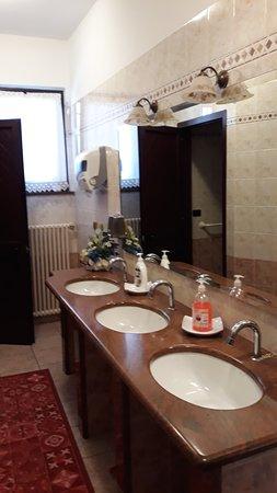 Piscina, Italy: servizi