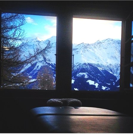 Mobile Sports Massage and Rehab services in the Swiss Alps