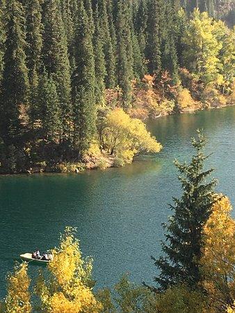 Kolsai湖とKaindy湖への2日間のプライベートツアー。 Picture