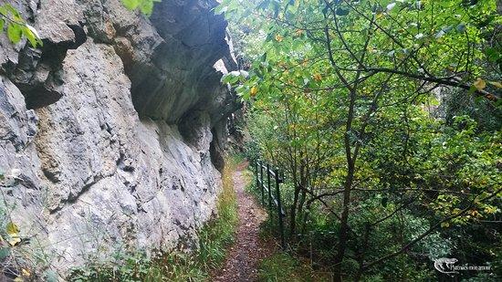 Fenouillet, Frankrijk: sentier dans les Gorges