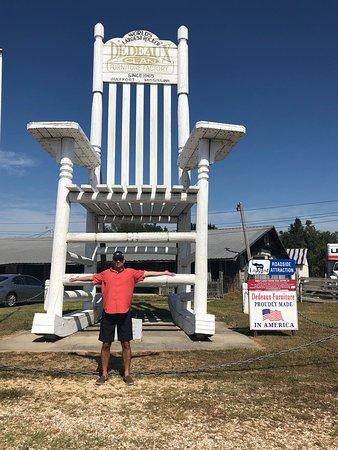 Wondrous Worlds Largest Rocker Gulfport 2019 All You Need To Frankydiablos Diy Chair Ideas Frankydiabloscom