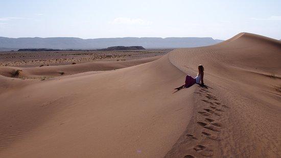 Muy cerca de Zagora se encuentra está isla de dunas, un aperitivo del desierto del Sahara.