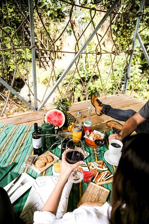 Couples' Picnic at Sleeping Giant Rainforest Lodge