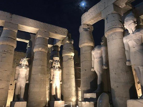 4-Day 3-Night Nile Cruise from Aswan to Luxor: Luxor temple
