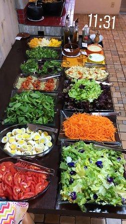 Muitas opções em saladas! 🤗