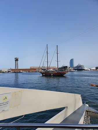 E-Bike-Tour mit Seilbahnfahrt und Bootstour: Barcelona-Premium-Tour in kleiner Gruppe: Boat ride