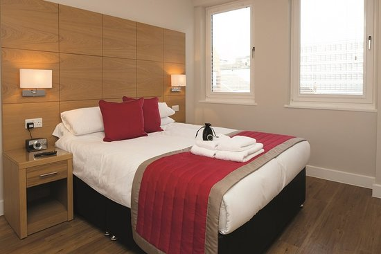 100 Kings Road ApartHotel by House of Fisher, hoteles en Reading