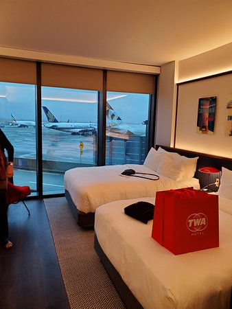 Run Way View Room 7 Layers Of Tempered Glass The Noise Is Gone Picture Of Twa Hotel Queens Tripadvisor