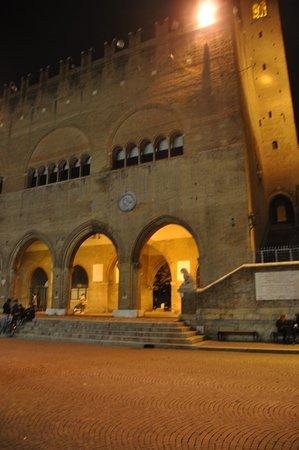 Circondata da nobili palazzi
