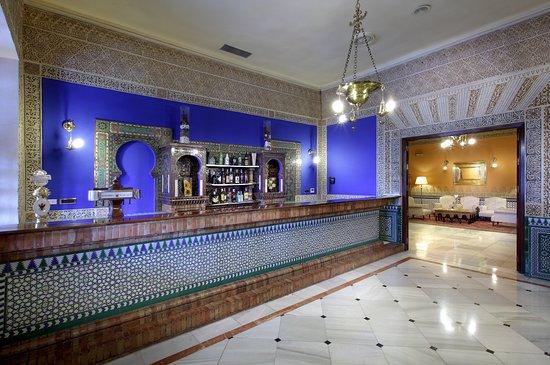 Alhambra Palace Hotel