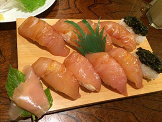 お客さんに人気の島寿司