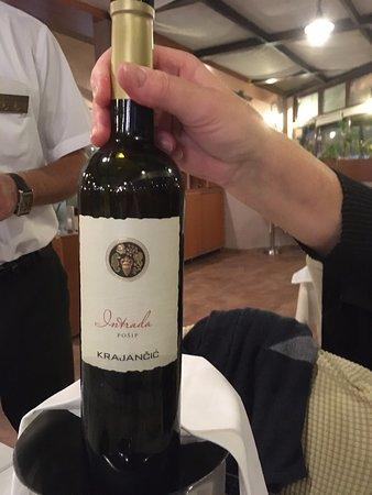 Un vin de très bonne facture, sec et fruité