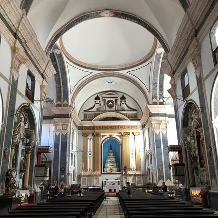 町の中心の教会