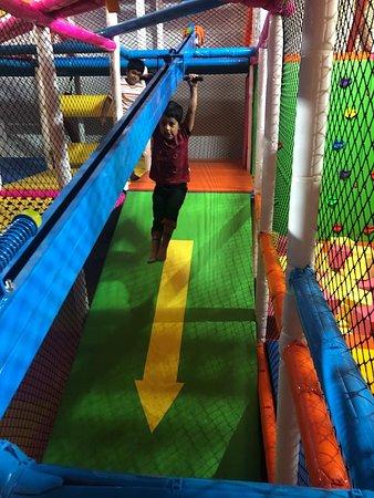 Pune, Inde : indoor games for kids