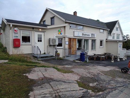 Bugoynes, Norvégia: Bistro og posthus