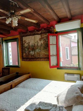 Burano, Italia: camera da letto