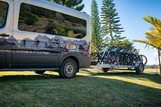 Farino, Ny-Caledonia: Arrêt au parking avant le départ en VTTAE pour découvrir ce très beau parc Venez louer un vtt élec avec Ebikeadventure (sur réservation au 687-78 39 50 ou 73 93 00) et sur Facebook :Ebikeadventure