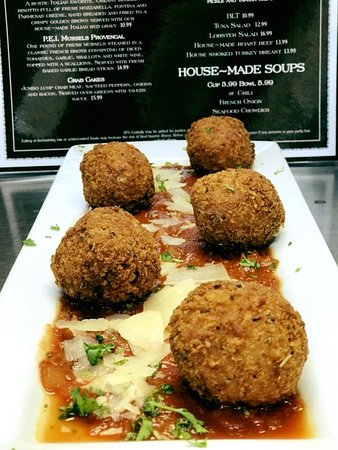 Chicken Parm Meatballs, perfect for sharing!
