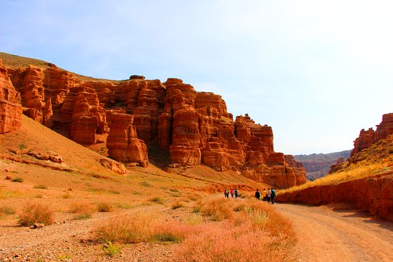 Almaty Region, Kazajistán: What a beauty... Charyn Canyon looking like the breathtaking stunner that it is.