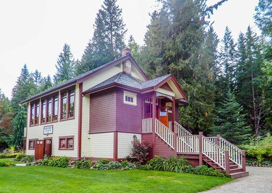 R.J. Haney Heritage Village & Museum: The ol School House