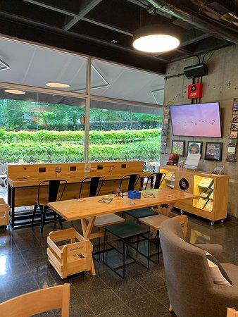 Espacios individuales - KJ Art shop & Coffee