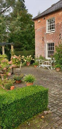 East Hoathly, UK: Beautiful gardens