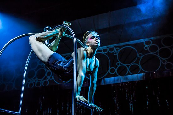 High-flying aerial stunts, serious booty and one fine French hunk. It's the perfect party, the hottest new show to hit the Strip.