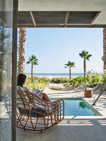 La Ribera, Мексика: Welcome to a new era of luxury and contemporary design on Mexico's Baja California Peninsula. Set against the Sierra de la Laguna Mountains and nestled on miles of untouched beachfront, Four Seasons Resort Los Cabos at Costa Palmas is now open. Visit the link to discover more. https://www.fourseasons.com/loscabos/