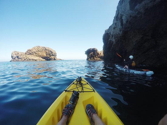 Santa Barbara Kayak Tour: going toward the East side of Santa Cruz island.