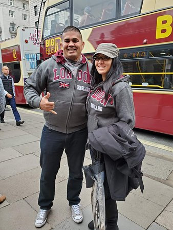 """Big Bus London Hop-On Hop-Off Tour and River Cruise with Optional London Eye: We're """"that"""" couple"""