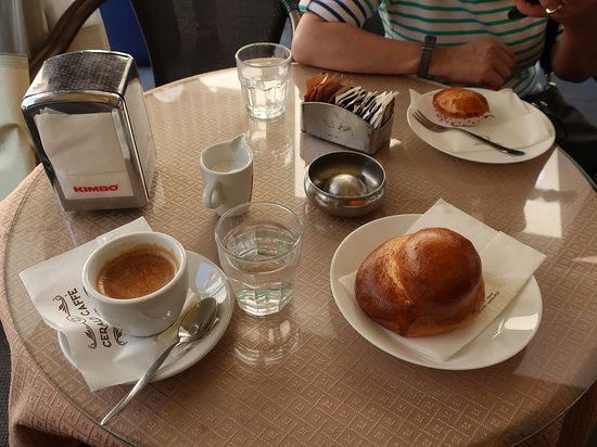 Delightful coffee and pastries during our walk break.
