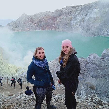 Louise&Lisa...@ijen crater