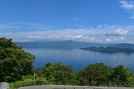 展望台より見る湖前景