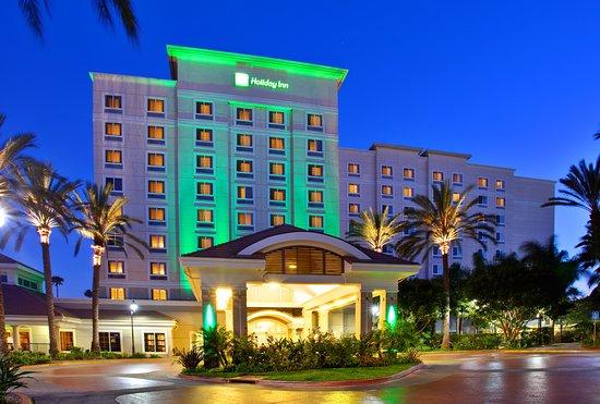 Holiday Inn Anaheim Resort Area 84 ̶1̶0̶9̶ Updated