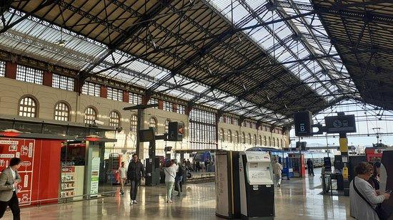 Gare de Marseille Saint-Charles: One of the platforms