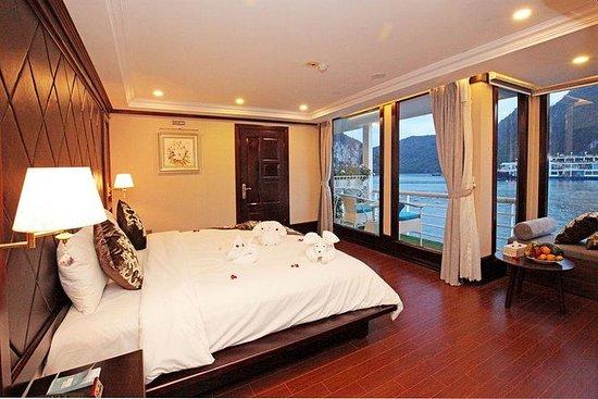 Hanoi: croisière de luxe de 2 jours et 1 nuit dans la baie d'Halong et la baie de Lan Ha : Hanoi: 2-Day & 1-Night Halong Bay & Lan Ha Bay Luxury Cruise