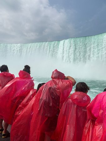 Niagarafälle, NY: Approaching the falls