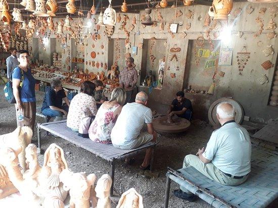 Yakub Pottery Udhyog Art